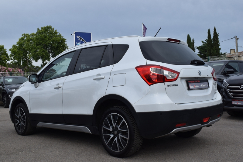 Photo 3 de l'offre de SUZUKI SX4 S-CROSS 1.6 DDIS PACK ALLGRIP à 9900€ chez Univers Motors