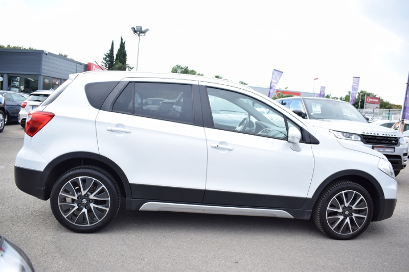 Photo 6 de l'offre de SUZUKI SX4 S-CROSS 1.6 DDIS PACK ALLGRIP à 9900€ chez Univers Motors