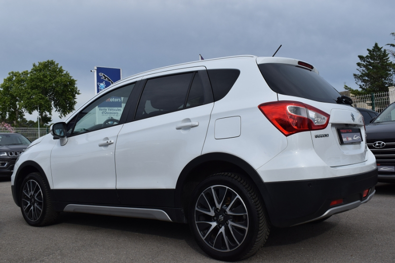 Photo 8 de l'offre de SUZUKI SX4 S-CROSS 1.6 DDIS PACK ALLGRIP à 9900€ chez Univers Motors