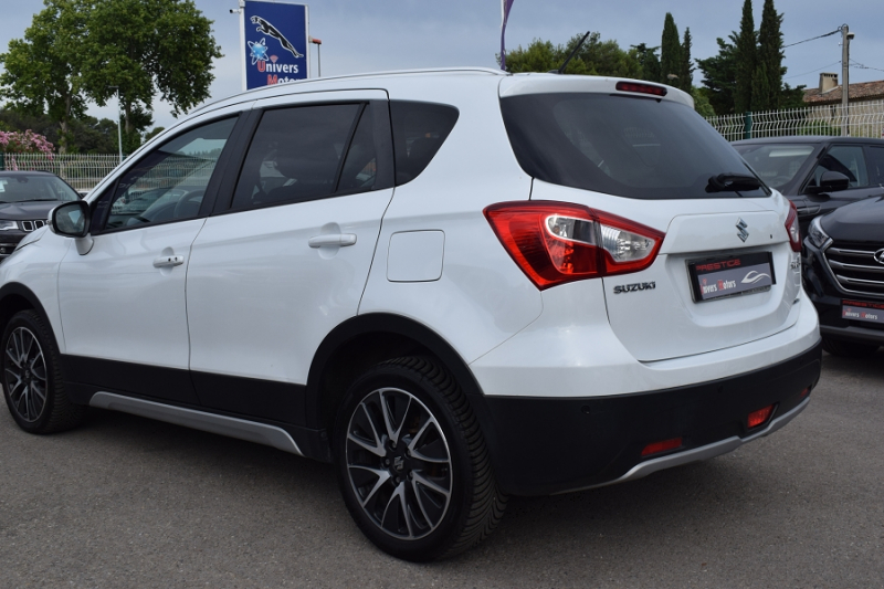 Photo 9 de l'offre de SUZUKI SX4 S-CROSS 1.6 DDIS PACK ALLGRIP à 9900€ chez Univers Motors