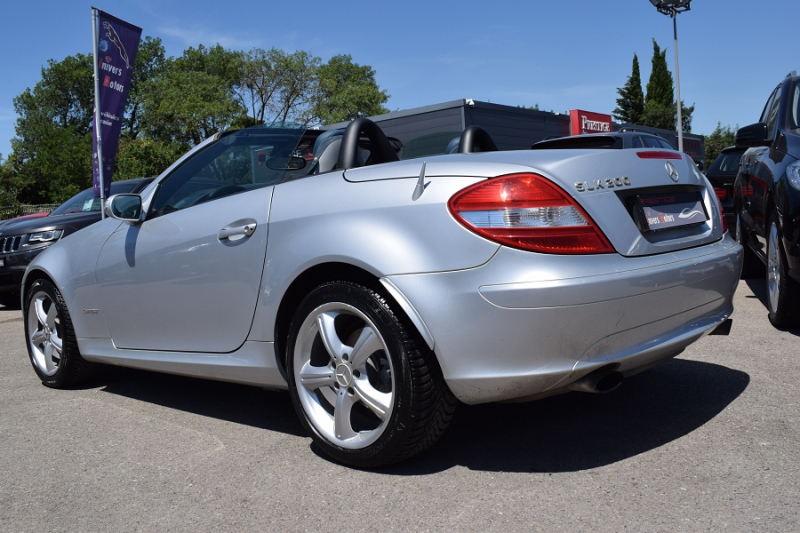 Photo 5 de l'offre de MERCEDES-BENZ CLASSE SLK (R171) 200K à 9400€ chez Univers Motors