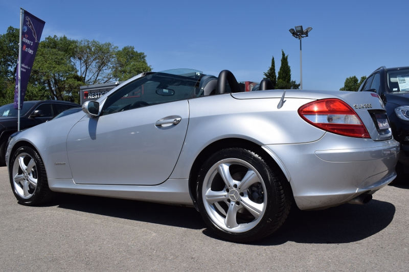 Photo 6 de l'offre de MERCEDES-BENZ CLASSE SLK (R171) 200K à 9400€ chez Univers Motors