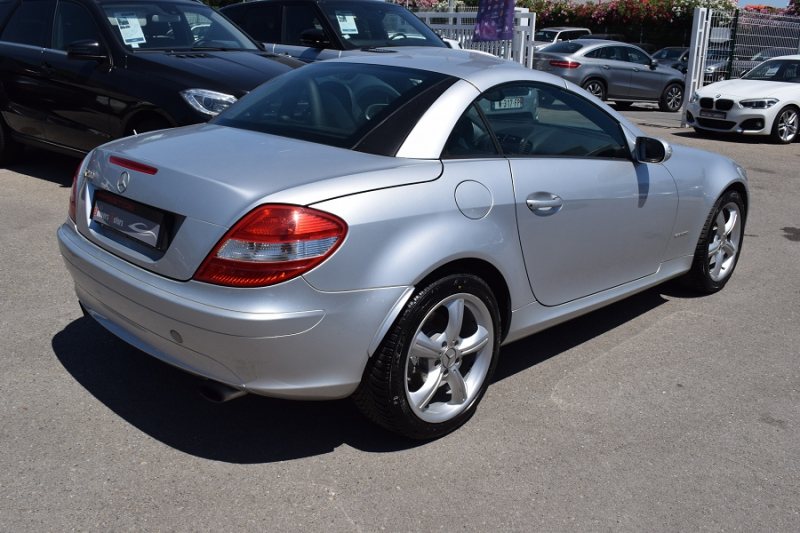 Photo 7 de l'offre de MERCEDES-BENZ CLASSE SLK (R171) 200K à 9400€ chez Univers Motors