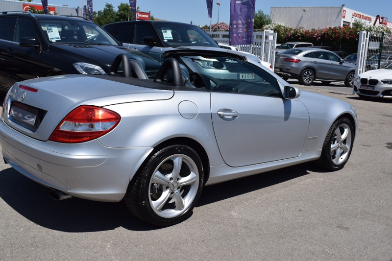 Photo 11 de l'offre de MERCEDES-BENZ CLASSE SLK (R171) 200K à 9400€ chez Univers Motors