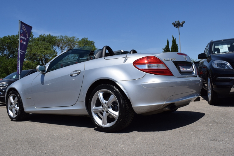Photo 12 de l'offre de MERCEDES-BENZ CLASSE SLK (R171) 200K à 9400€ chez Univers Motors