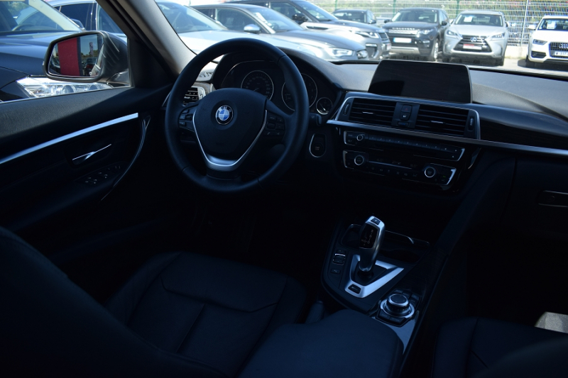 Photo 2 de l'offre de BMW SERIE 3 (F30) 330EA 252CH LUXURY à 27900€ chez Univers Motors